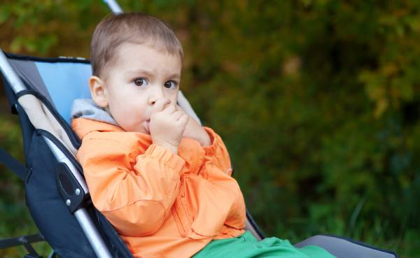 A growing child likely to experience thumb sucking effects on dental health